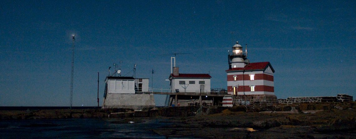 market-night-lighthouse-all-pv