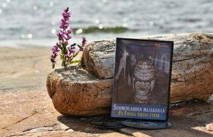 Majakkaseuran uusia tuotteita tullut myyntiin: Bengtskärin tarina nyt dvd:llä!